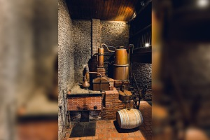 1410-01_ognas_distillerie_02_HD
